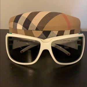 Burberry Sun Glasses